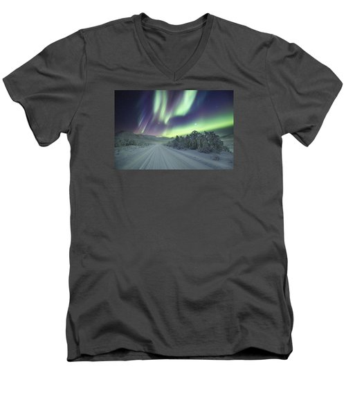 Road View Men's V-Neck T-Shirt
