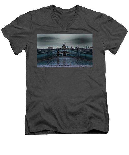 St Paul's Cathedral Men's V-Neck T-Shirt