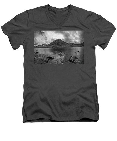 Tryfan Mountain Men's V-Neck T-Shirt