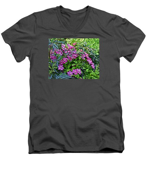 2015 Summer At The Garden Beautiful Clematis Men's V-Neck T-Shirt