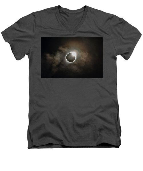 2017 Solar Eclipse Exit Ring Men's V-Neck T-Shirt