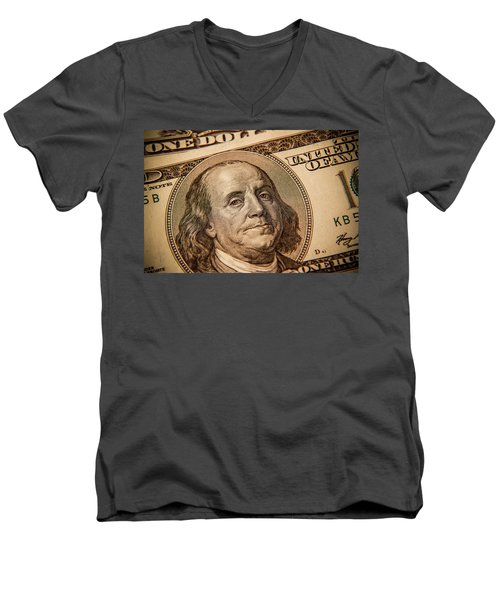 Men's V-Neck T-Shirt featuring the photograph Benjamin Franklin by Les Cunliffe