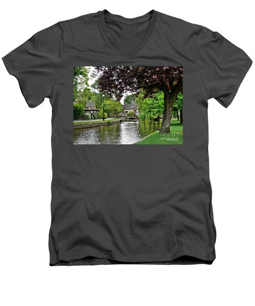 Bourton-on-the-water Men's V-Neck T-Shirt