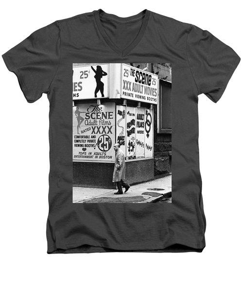Film Homage Hard Core 1979 Porn Theater The Combat Zone Boston Massachusetts 1977 Men's V-Neck T-Shirt