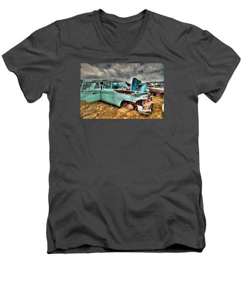 Wagon Men's V-Neck T-Shirt