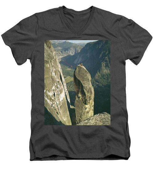 306540 Climbers On Lost Arrow 1967 Men's V-Neck T-Shirt