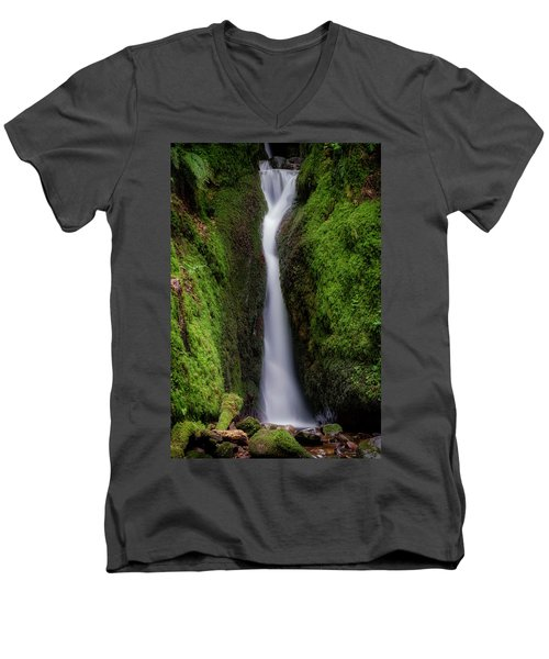 Men's V-Neck T-Shirt featuring the photograph Dollar Glen In Clackmannanshire by Jeremy Lavender Photography