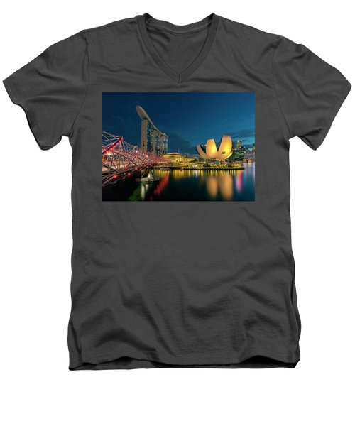 Singapore Men's V-Neck T-Shirt