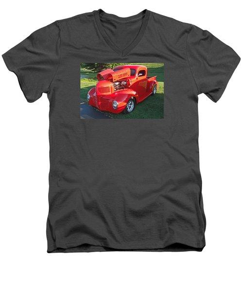 '47 Dodge Pickup Men's V-Neck T-Shirt