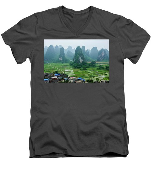 The Beautiful Karst Rural Scenery In Spring Men's V-Neck T-Shirt
