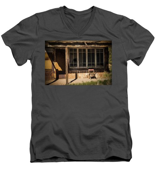 675 Red Mountain Boulevard  Men's V-Neck T-Shirt