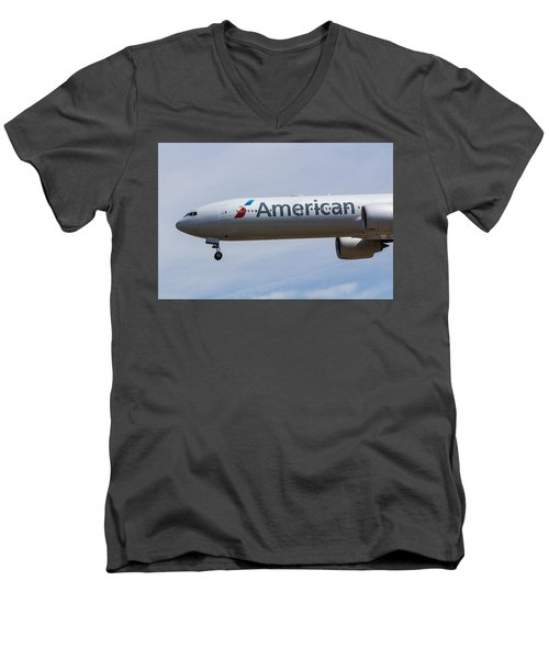 American Airlines Boeing 777 Men's V-Neck T-Shirt