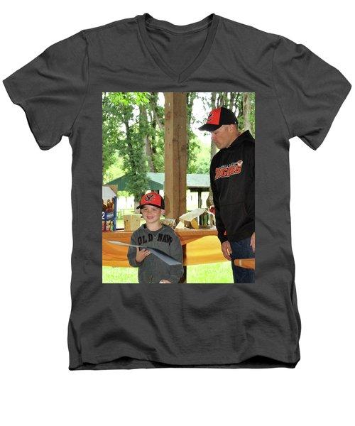 9781 Men's V-Neck T-Shirt