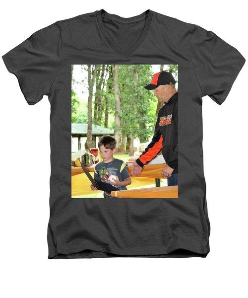 9784 Men's V-Neck T-Shirt