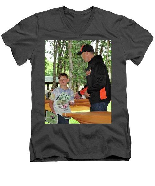 9789 Men's V-Neck T-Shirt