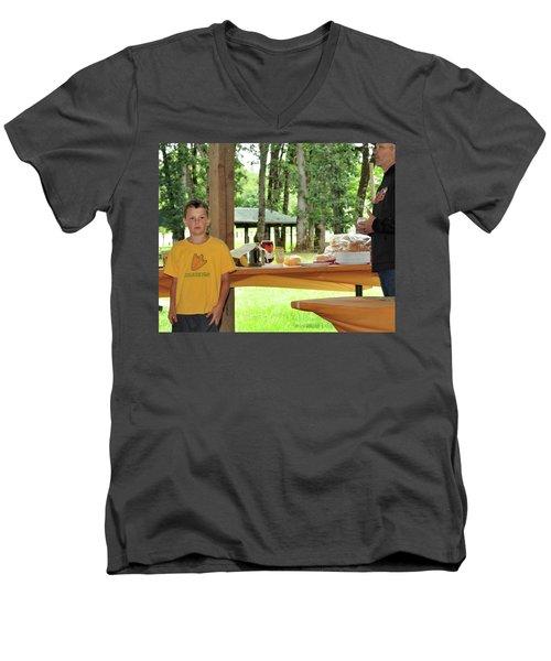 9794 Men's V-Neck T-Shirt