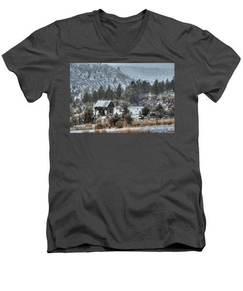 A Dusting Of Snow Men's V-Neck T-Shirt