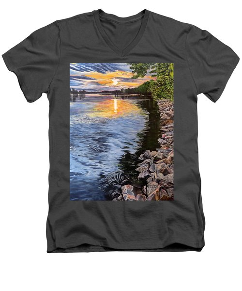 A Fraser River Sunset Men's V-Neck T-Shirt
