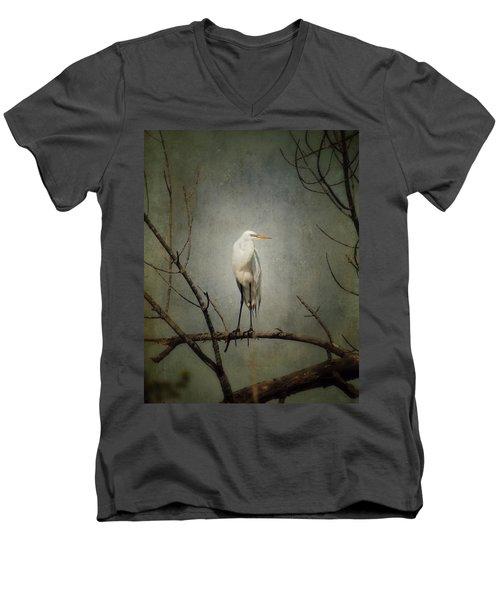 A Great Egret Men's V-Neck T-Shirt