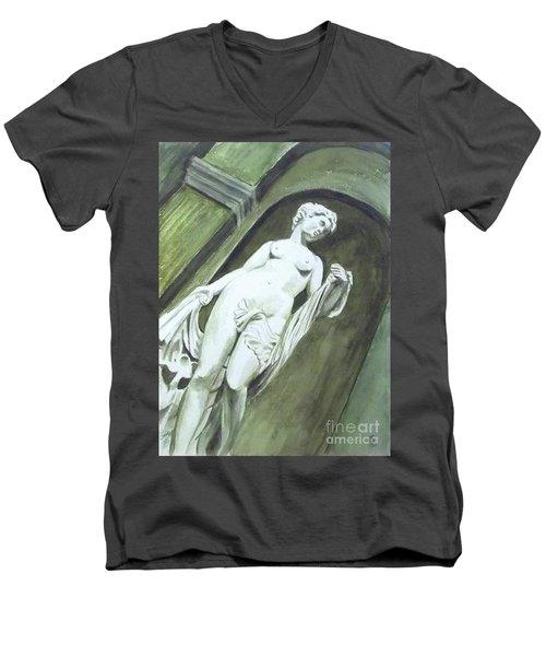 A Statue At The Toledo Art Museum - Ohio Men's V-Neck T-Shirt