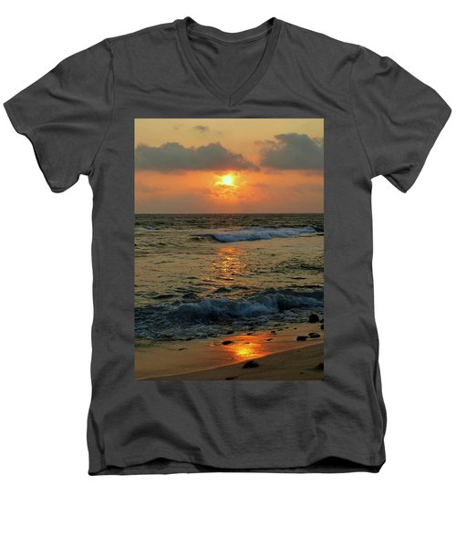 Men's V-Neck T-Shirt featuring the photograph A Sunset To Remember by Lori Seaman