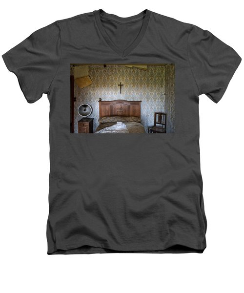 Abandoned Bed Room - Urban Exploration Men's V-Neck T-Shirt by Dirk Ercken