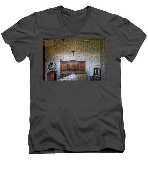 Abandoned Bed Room - Urban Exploration Men's V-Neck T-Shirt