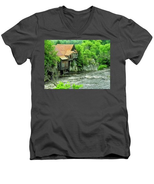 Abandoned Home By The River Men's V-Neck T-Shirt