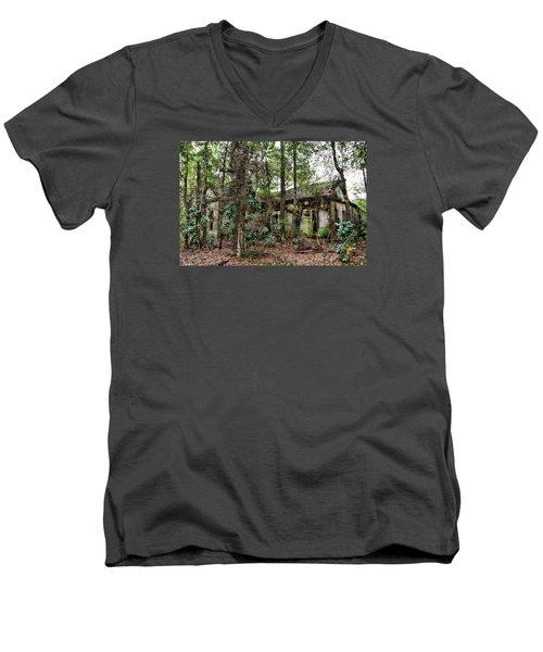 Abandoned House In Alabama Men's V-Neck T-Shirt by Lynn Jordan