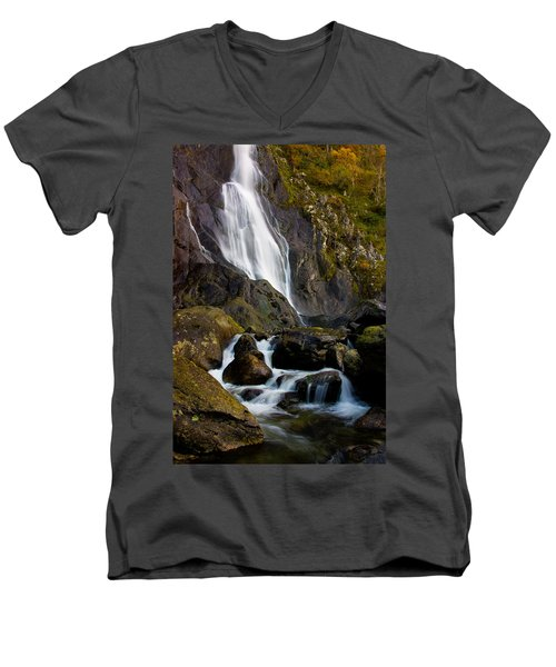Aber Falls 2 Men's V-Neck T-Shirt