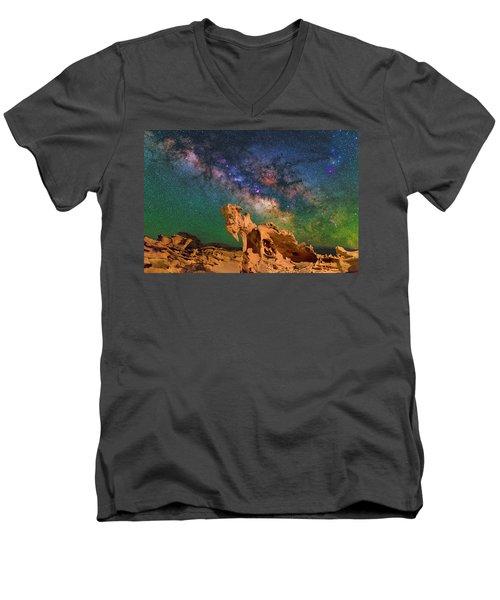 Achiyalabopa Men's V-Neck T-Shirt