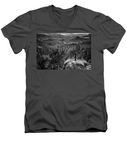 Needles Point South Dakota Men's V-Neck T-Shirt