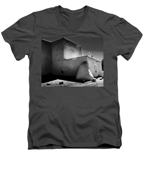 Adobe Church In B-w Men's V-Neck T-Shirt