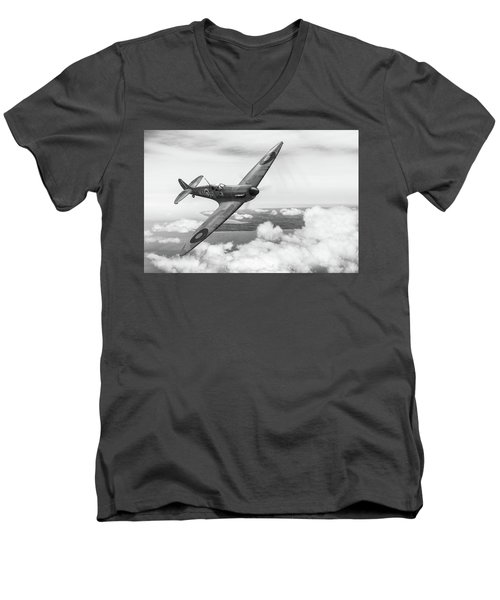 Men's V-Neck T-Shirt featuring the photograph Al Deere In Kiwi IIi Bw Version by Gary Eason