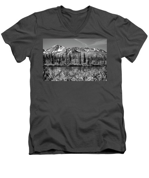 Alaska Mountains Men's V-Neck T-Shirt