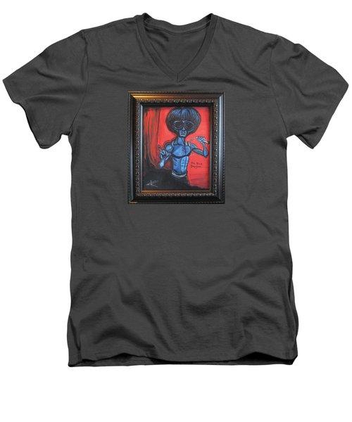 alien Bruce Lee Men's V-Neck T-Shirt