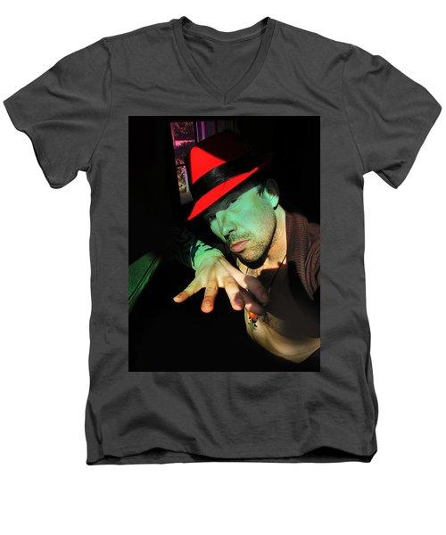 Alien Hat Men's V-Neck T-Shirt