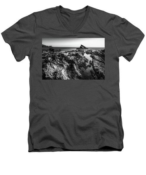 Alien World Men's V-Neck T-Shirt