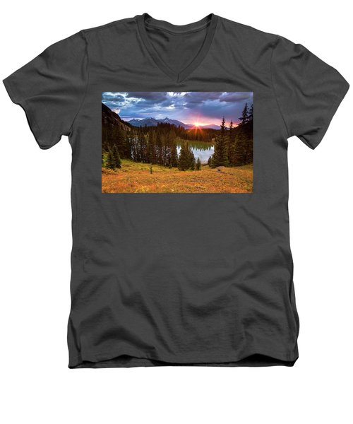Alta Lakes Men's V-Neck T-Shirt