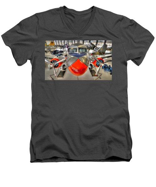 American 3 Men's V-Neck T-Shirt