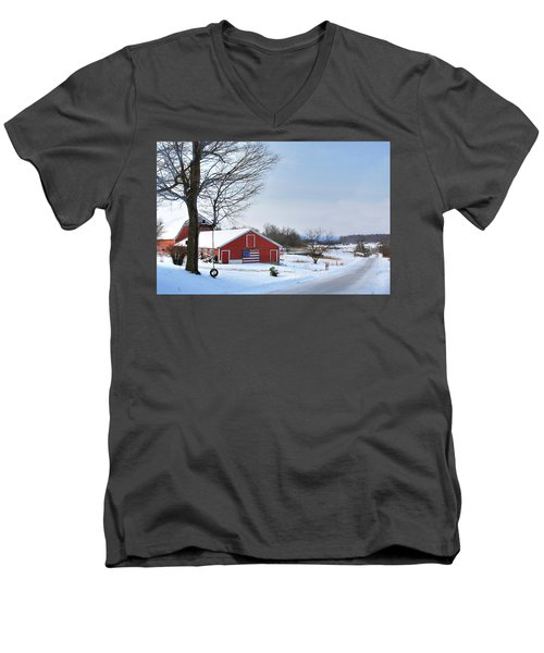 Americana Barn In Vermont Men's V-Neck T-Shirt