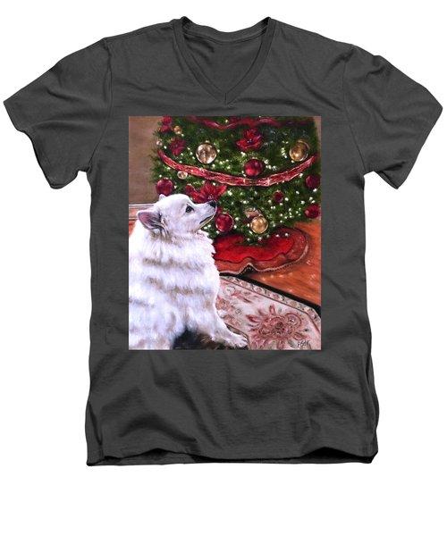 An Eskie Christmas Men's V-Neck T-Shirt