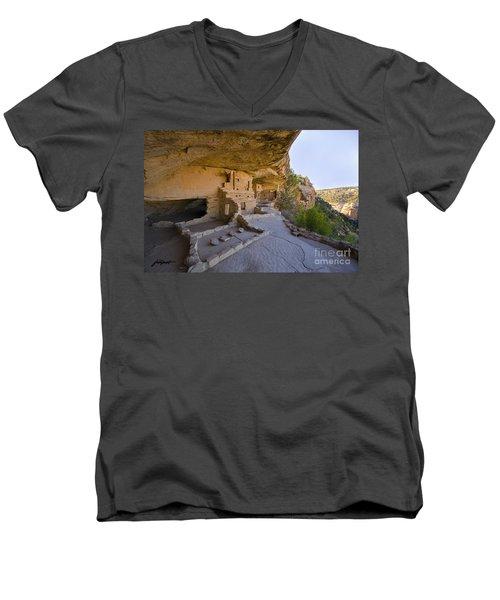 Ancient Kitchen Men's V-Neck T-Shirt