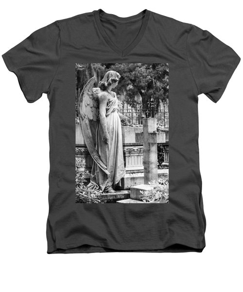 Angel With Cross Of Bonaventure Cemetery Men's V-Neck T-Shirt