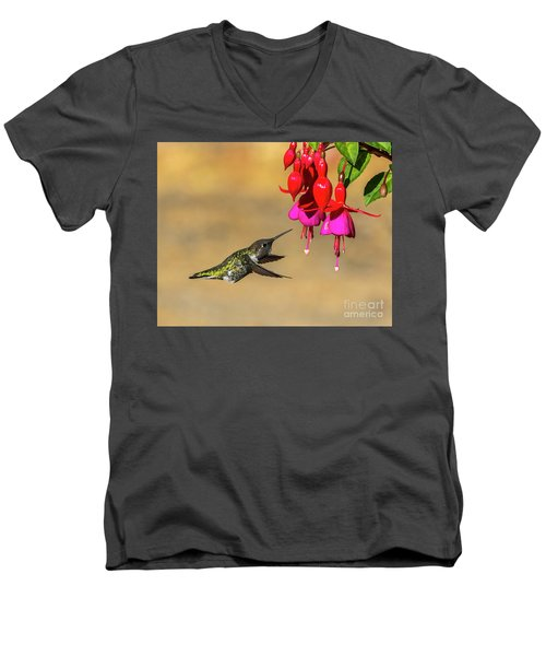 Anna And Hardy Fuchsia Flower Men's V-Neck T-Shirt