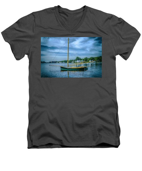 Annie, Mystic Seaport Museum Men's V-Neck T-Shirt