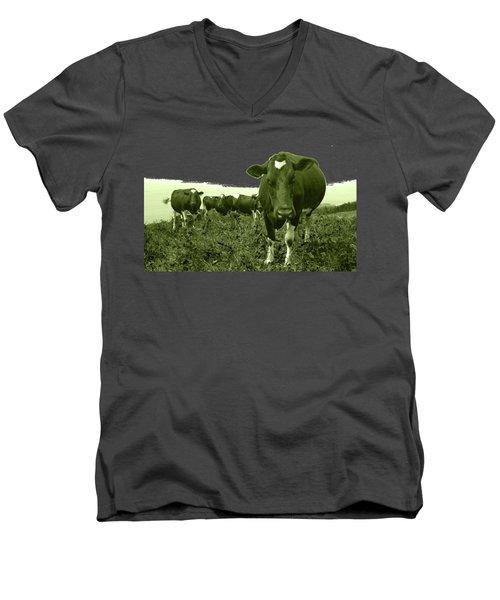 Annoyed Cow Men's V-Neck T-Shirt