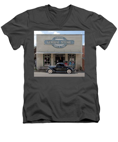 Antique Car At Gruene General Store Men's V-Neck T-Shirt