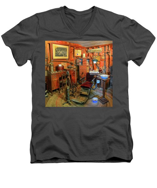 Antique Dental Office Men's V-Neck T-Shirt