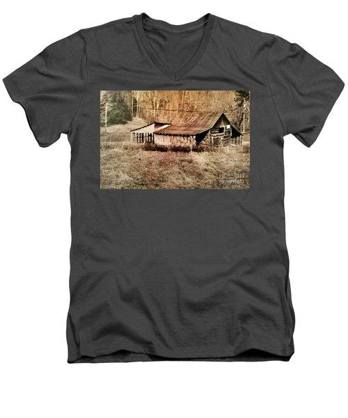 Antique Log Beam Barn Southern Indiana Men's V-Neck T-Shirt